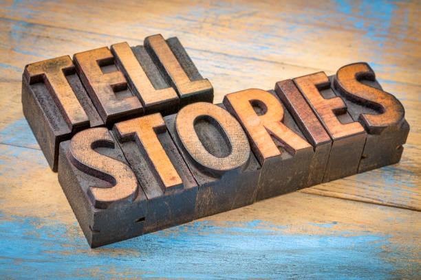 raconter des histoires mots en bois de type de - étage photos et images de collection