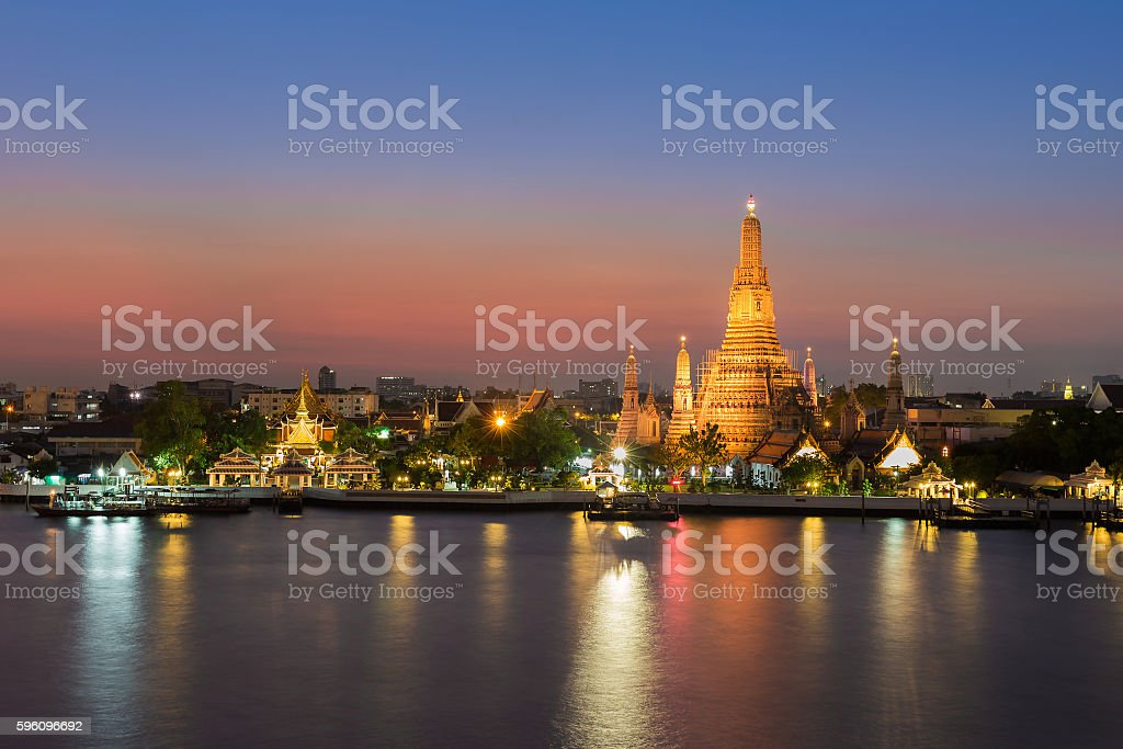 Temple of Dawn called Wat Arun river front Lizenzfreies stock-foto
