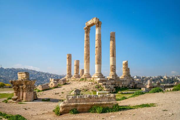 temple d'hercule - jordan photos et images de collection