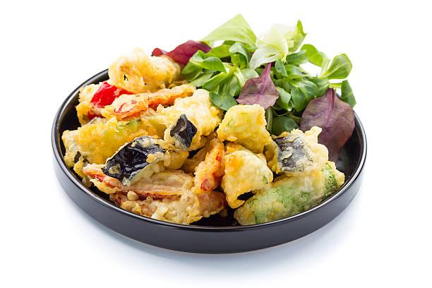 tempurá árctico e frita vegetal. salada vegetariana. - tempura imagens e fotografias de stock