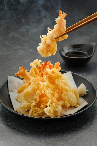tempura shrimp  japanese food deep fried delicious traditional - tempura imagens e fotografias de stock