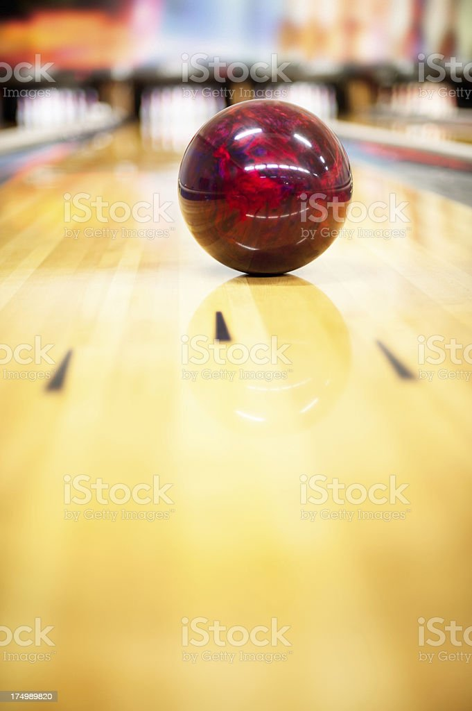 On syntetic bowling lane