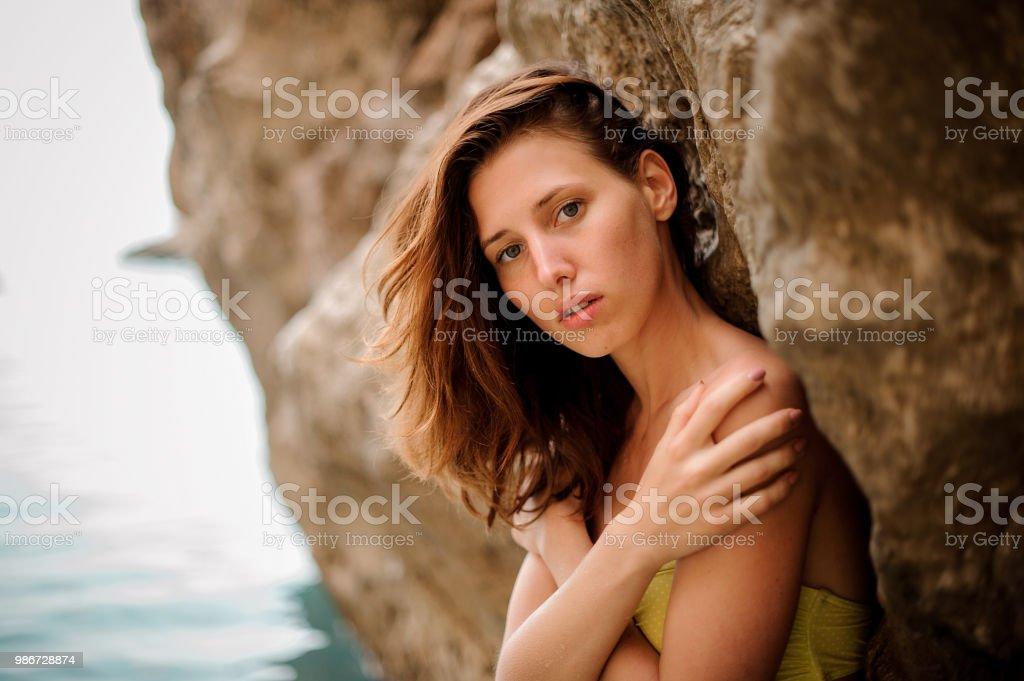 Photo De Rousse Droit Jeune Coxwerdb En Femme Tendre Libre Portrait 4cqS3j5ARL