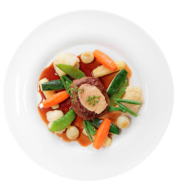 ヒレステーキ、野菜と骨髄絶縁を体験 - フランス料理 ストックフォトと画像
