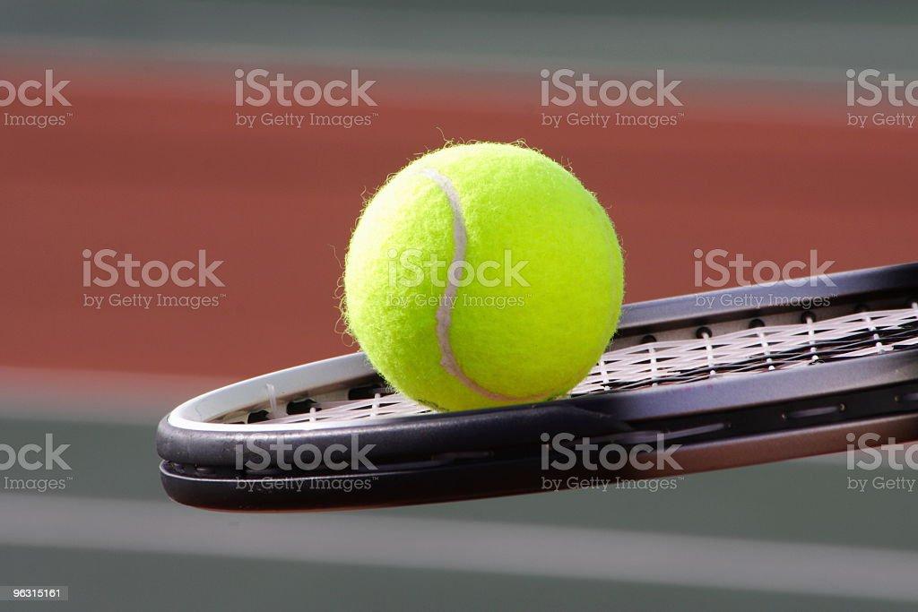 テニスボールのコート - カラー画像のロイヤリティフリーストックフォト