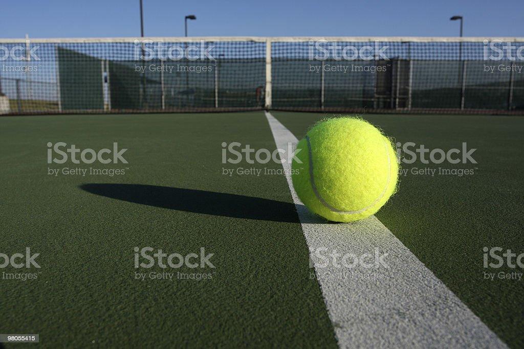 테니스공 굴절률은 코트 royalty-free 스톡 사진