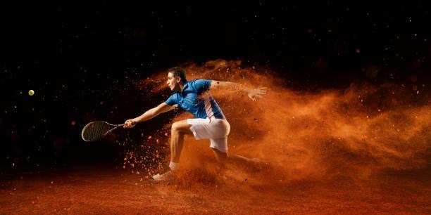 tenis: deportista masculino en acción - tenis fotografías e imágenes de stock