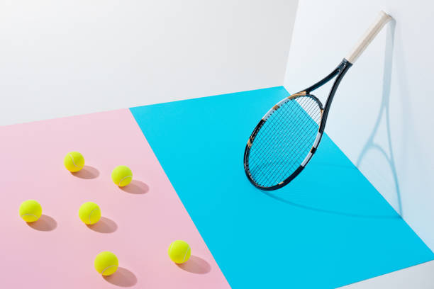 tennis racket - set tennis o pallavolo foto e immagini stock