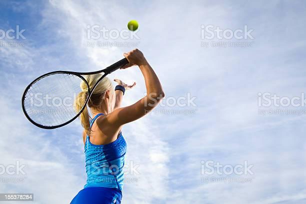 Tennisaufschlag Stockfoto und mehr Bilder von Athlet