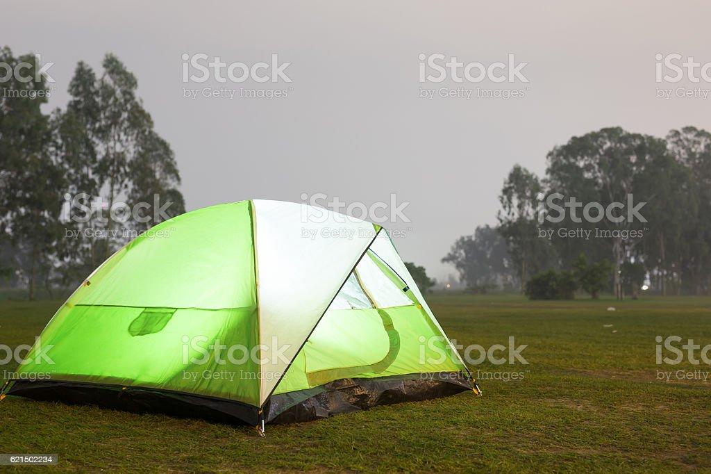 Tent on the grass Lizenzfreies stock-foto