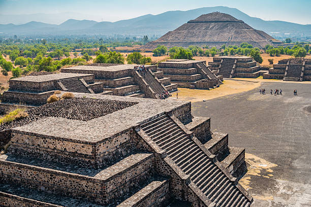 teotihuacan pyramids mexico - pyramid stock photos and pictures