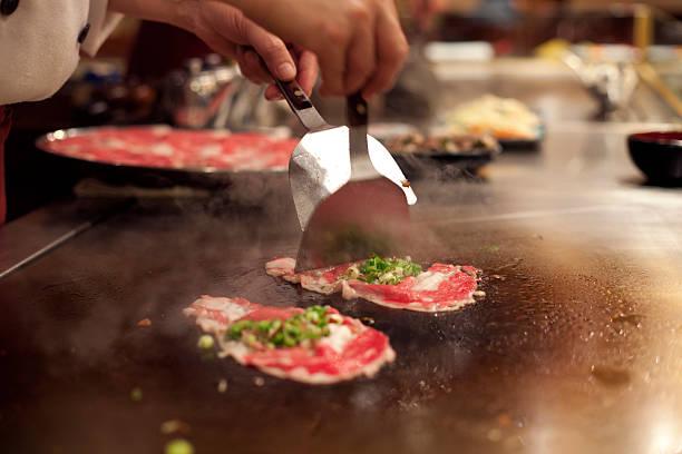 teppanyaki, japanische küche - teppan yaki grill stock-fotos und bilder