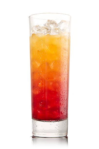 Tequila sunrise Cocktail, isoliert auf weiss – Foto
