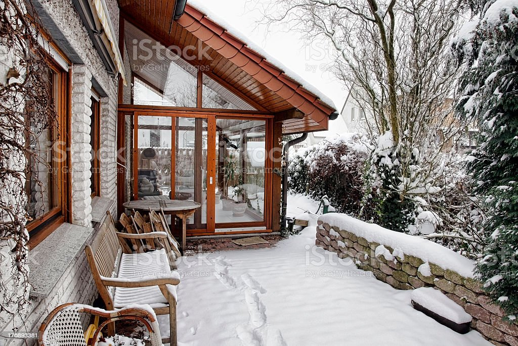 Giardino Dinverno Terrazza : Terrazza e giardino dinverno fotografie stock e altre immagini