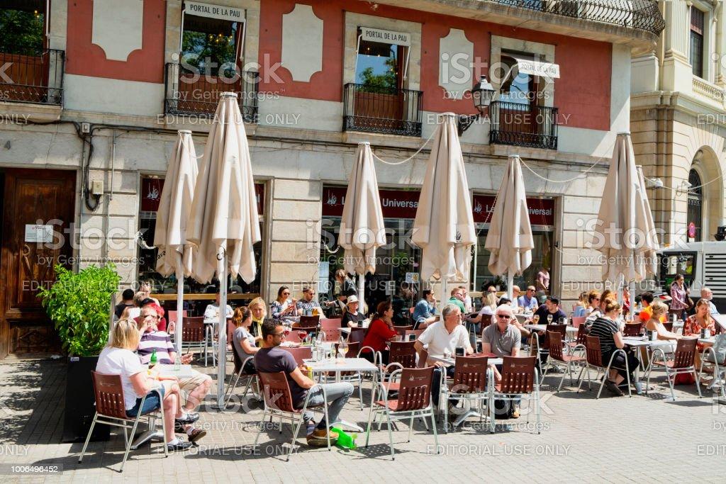Terraza En El Portal De La Pau En Barcelona España Foto De