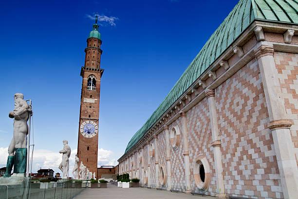 terrasse der basilika, vicenza, italien - vicenza stock-fotos und bilder