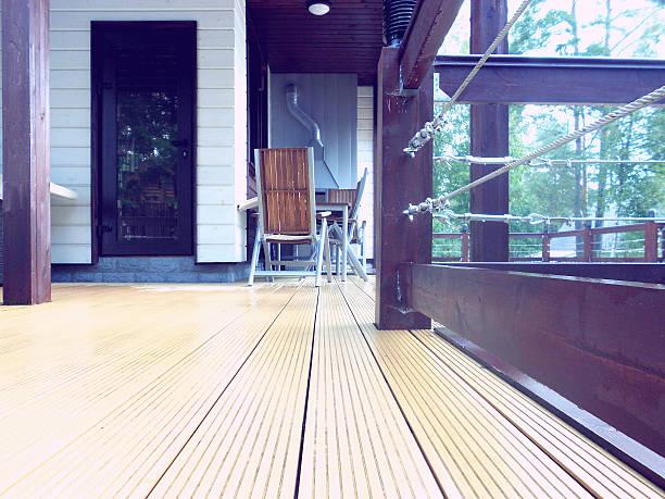 der terrasse - terrassen deck design stock-fotos und bilder