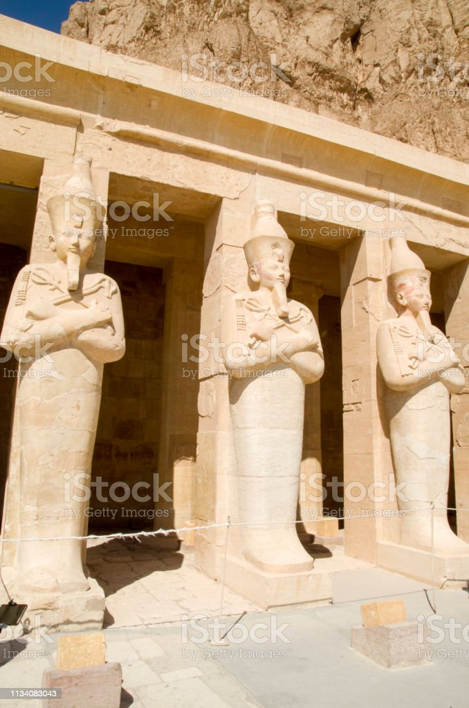 Pilares De La Terraza Con Las Estatuas Comprometidas De