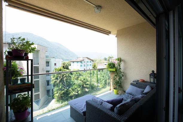 Terrasse mit Gartenmöbeln – Foto