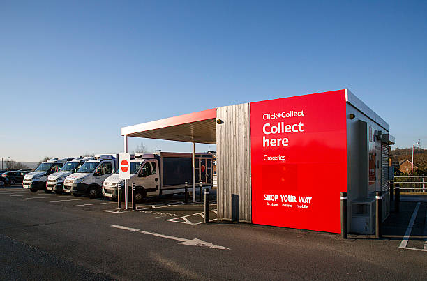 tesco - click and collect - click and collect photos et images de collection