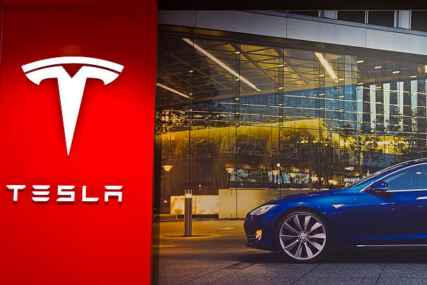 Indianapolis - March 2016: Tesla Motors Store III Indianapolis, US - March 29, 2016: Tesla Motors Store in Indianapolis Selling Electric Cars III tesla motors stock pictures, royalty-free photos & images