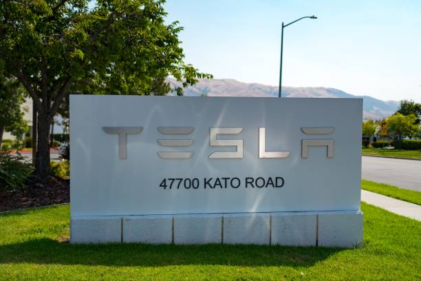 Tesla picture id1023548288?b=1&k=6&m=1023548288&s=612x612&w=0&h= 6lzeog4go ui 7jsapd4lq4lwogxr edc1nod7 l2c=