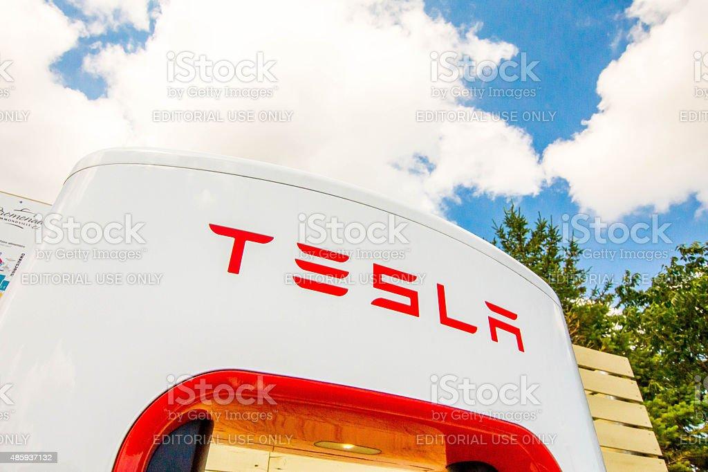 Tesla - Photo