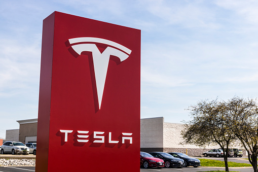 Tesla Service Center Tesla Designs And Manufactures The Model S Electric Sedan Iv Stock Photo - Download Image Now