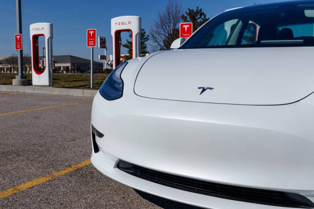 Tesla Supercharger Station. The Supercharger offers fast recharging of the Model S and Model X electric vehicles VII Lafayette - Circa April 2019: Tesla Supercharger Station. The Supercharger offers fast recharging of the Model S and Model X electric vehicles VII tesla motors stock pictures, royalty-free photos & images