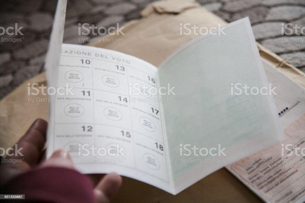 Tessera elettorale, elezioni Italia 2018 stock photo