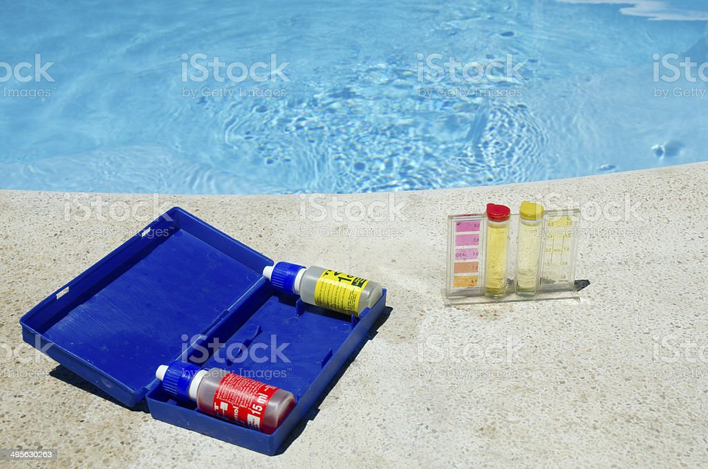 Testing kit für Swimmingpool water – Foto