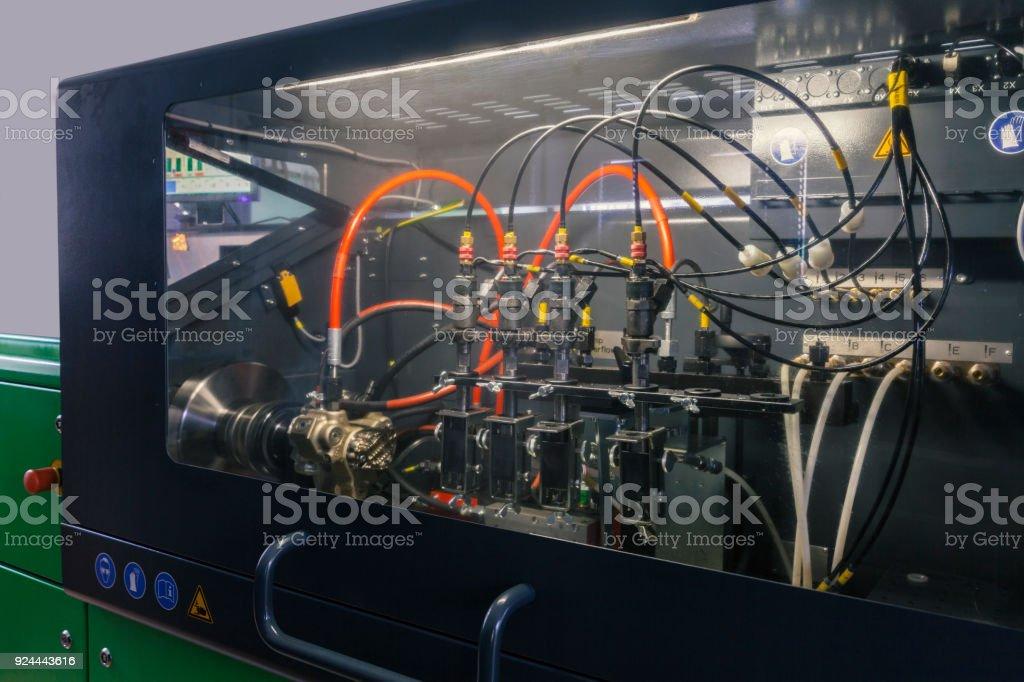 Testen von Düsen für Dieselmotoren – Foto