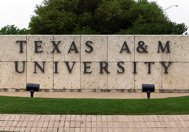 Texas A&M University College Station, TX, USA - April 3, 2015: An entrance to Texas A&M University. Texas A&M University is a public research university located in College Station, Texas. AM stock pictures, royalty-free photos & images