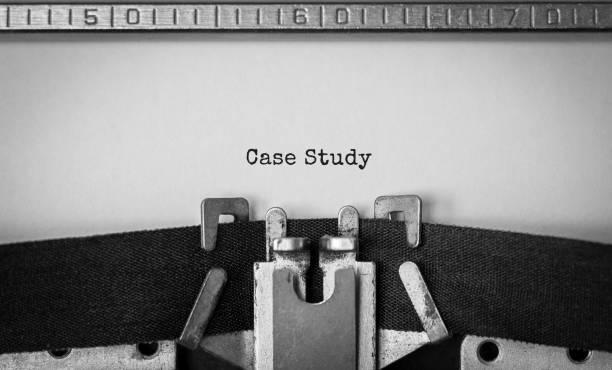 Text Fallstudie auf Retro-Schreibmaschine getippt – Foto