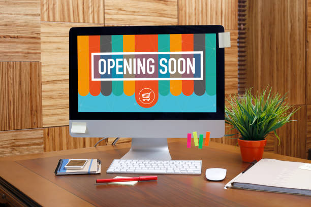 texto apertura pronto en pantalla - gran inauguración fotografías e imágenes de stock