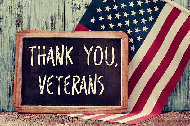 text thank you veterans in a chalkboard of the us - veterans day 個照片及圖片檔