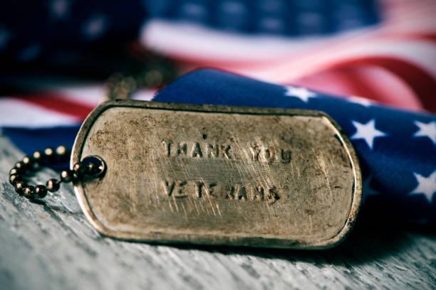 강아지 태그에 텍스트 감사 합니다 용사 - american flag 뉴스 사진 이미지