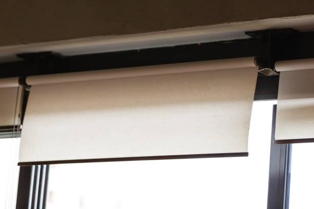 textil rulle gardin fönster blind, stock foto - skuggig bildbanksfoton och bilder