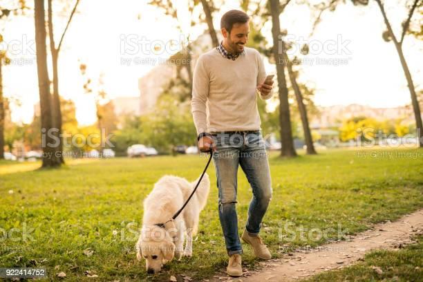 Texting in the park picture id922414752?b=1&k=6&m=922414752&s=612x612&h=ytddhxxbhi2pk2eqcrq j12py2hln lkwkgjgfuq wq=
