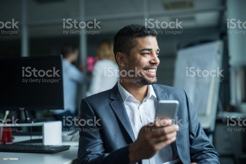 SMS mit Kunden – Foto