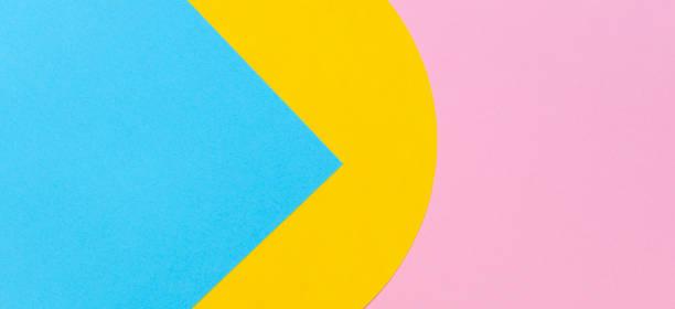 Textur Hintergrund von Modepapieren im Memphis-Geometrie-Stil. Gelbe, hellblaue und pastellrosa Farben. – Foto