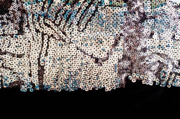 textur. spitzen auf dem stoff - hochzeitskleid in schwarz stock-fotos und bilder