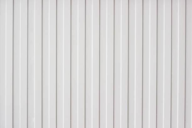 metall textur wellblech - alu zaun stock-fotos und bilder