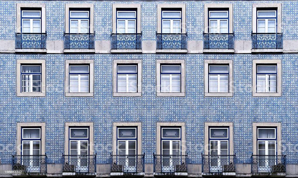 Textura de parede azul widnows em Português - fotografia de stock