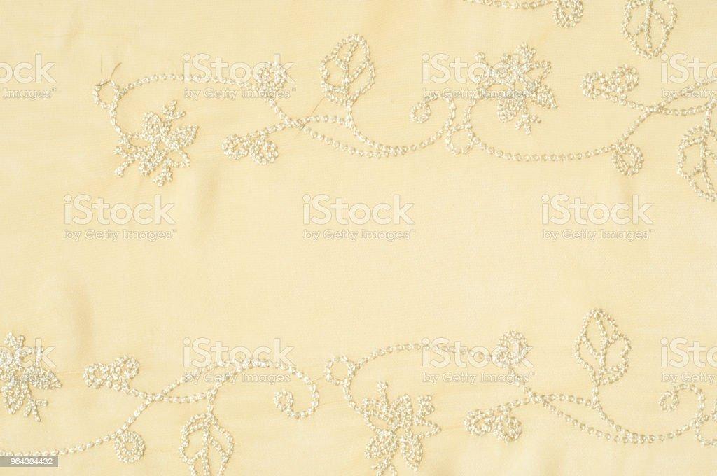 het patroon van de zijden sjaal, achtergrond, beige. licht roze, roos thee roze parel, linnen, kosmische latte, cornsilk, Navajo wit, citroen chiffon, tarwe, perzik, papaya zweep, champagne, - Royalty-free Achtergrond - Thema Stockfoto