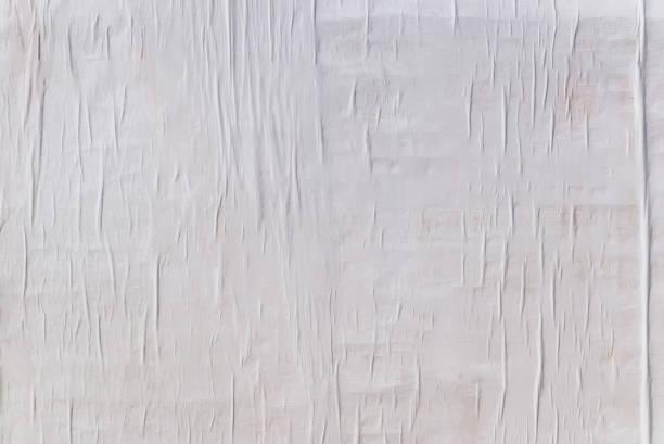 야외 포스터 벽, 구겨진된 종이 배경 화이트 접힌된 종이의 질감 - 주름 뉴스 사진 이미지