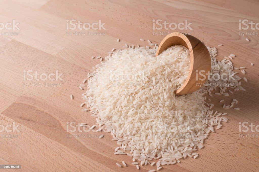 Thai jasmine rice on wood table zbiór zdjęć royalty-free