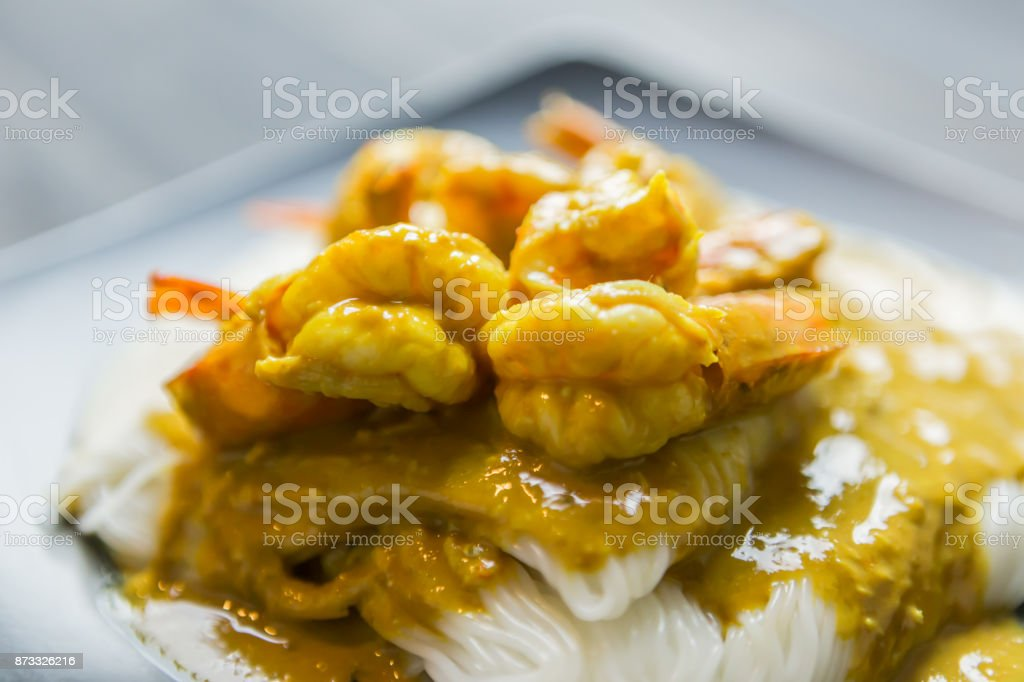 Tailandés Khanom Jeen Tallarines De Arroz Con Camarones