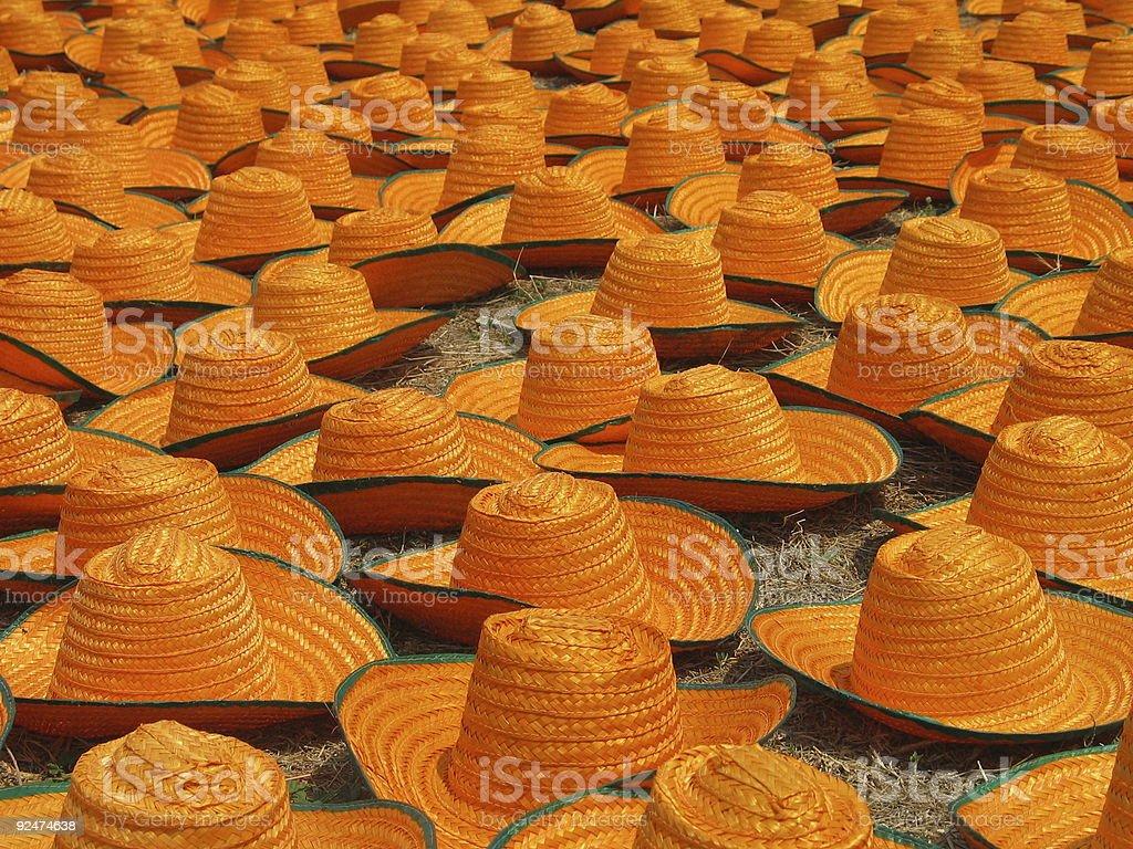 Thailändische Strohhüte Trocknen in sun 2 Lizenzfreies stock-foto