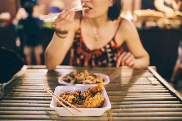 thai street food in bangkok, shrimp tempura with vegetables - dumplings stock photos and pictures